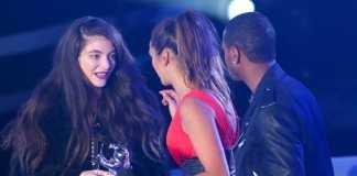Lorde-Gana-el-MTV-Video-Music-Award-a-Mejor-Video-de-Rock