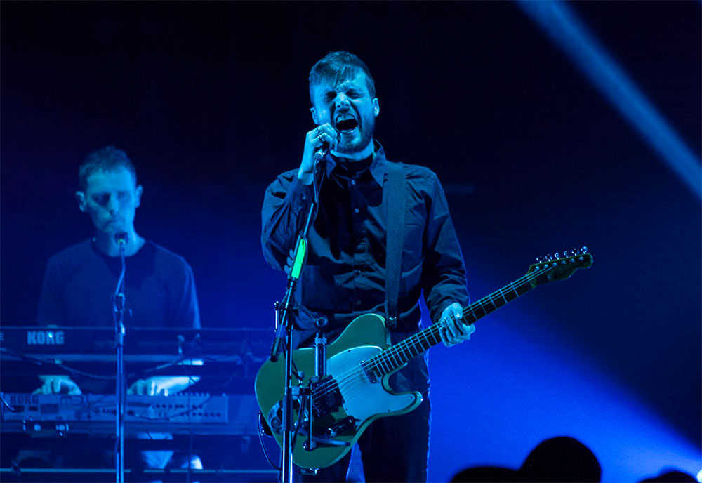 White Lies en Showcenter Monterrey